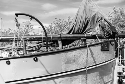 Sailing boats of varying types abound in Vlaardingen and many are homes to people. Even the elderly boats are very well looked after.