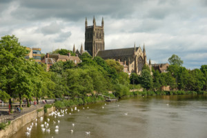 A photo of Worcester cathedral and riverside