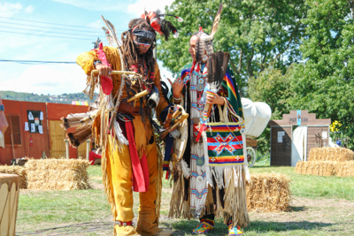 Picture of two North American Indians at a show
